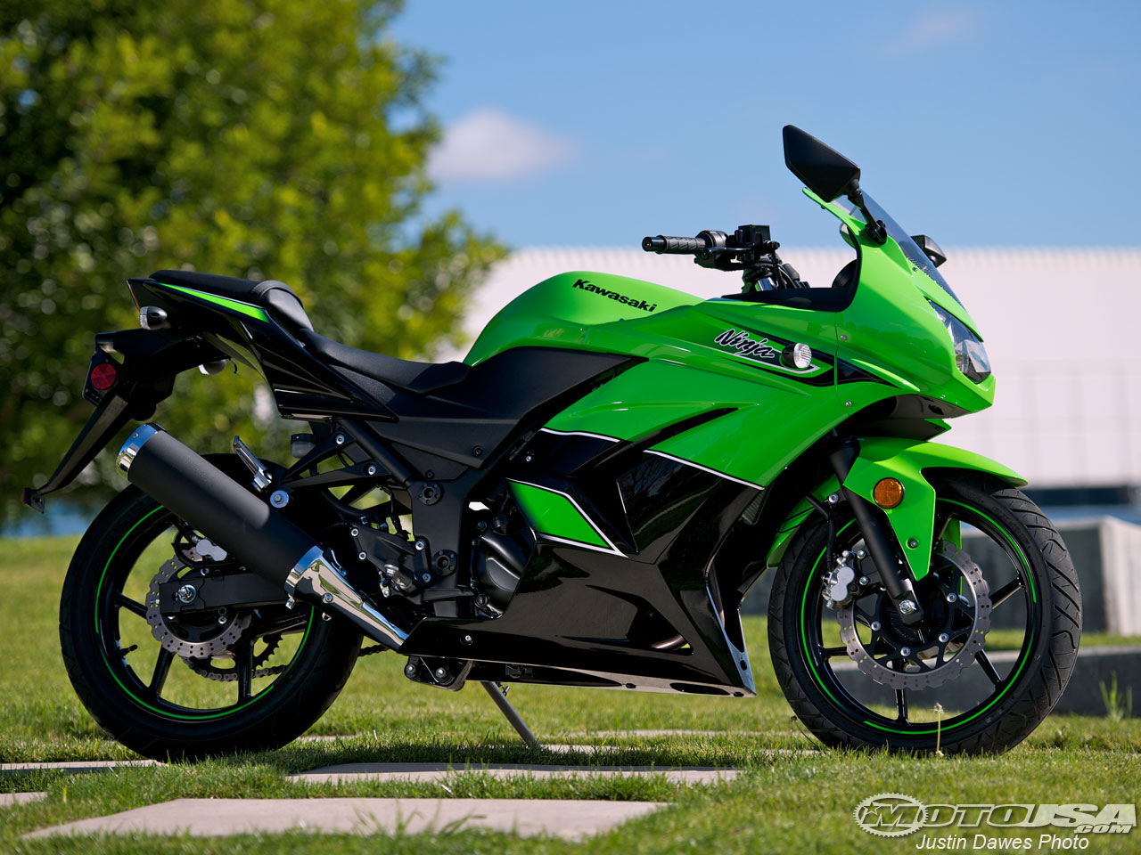 Bikispecial Kawasaki Ninja R on Honda Cbr Wallpaper