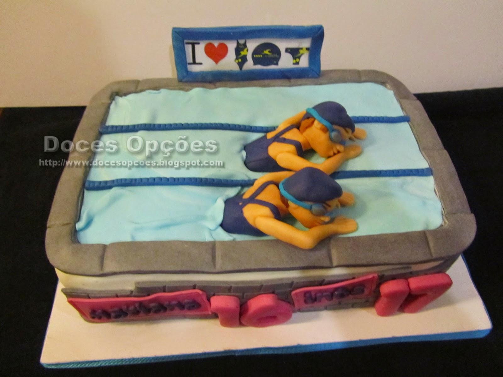 Torta de cumpleaños en la piscina braganza portugal