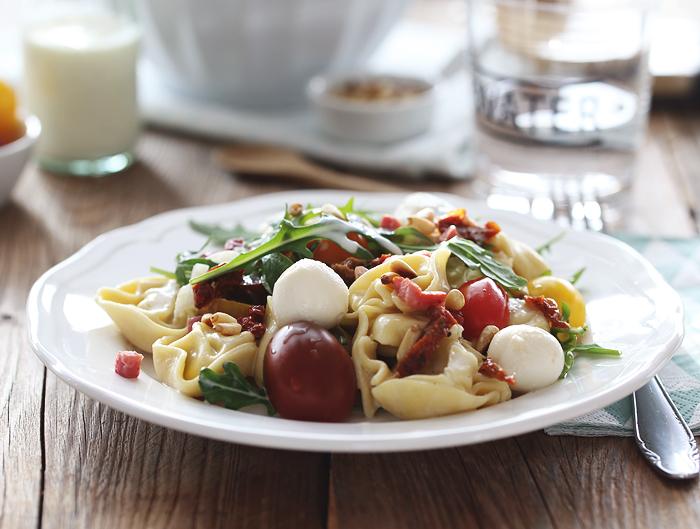Tortellinisalat Nudelsalat Tortellini Tomate Rucola
