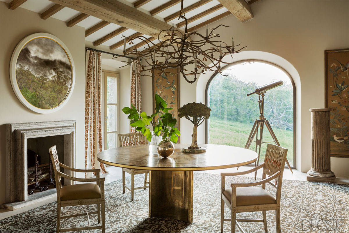 Lamb blonde an elegant italian farmhouse for Italian dining room decorating ideas