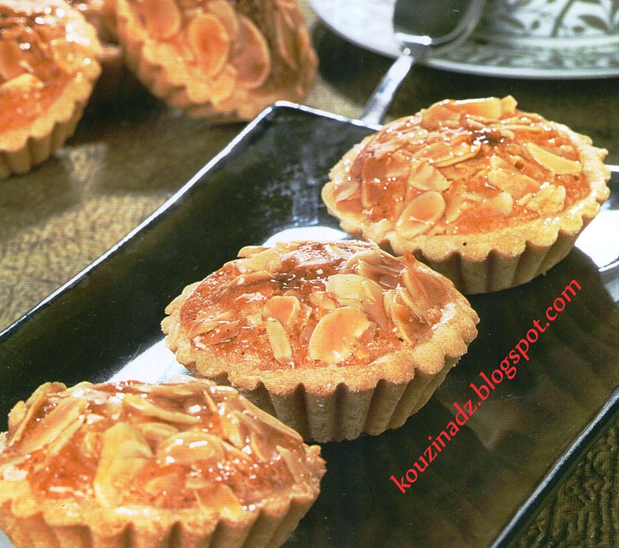 La Cuisine Algerienne: La Cuisine Algérienne: Mini Tartelettes Aux Amandes