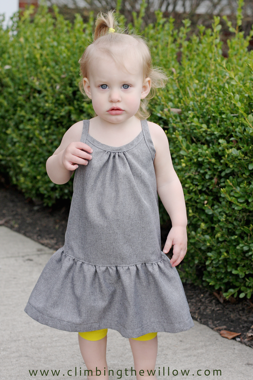 http://www.climbingthewillow.com/2013/06/lola-dress-free-pattern-and-tutorial.html