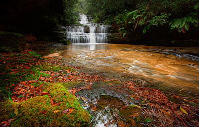 Hermosas cascadas de agua clara - Waterfalls
