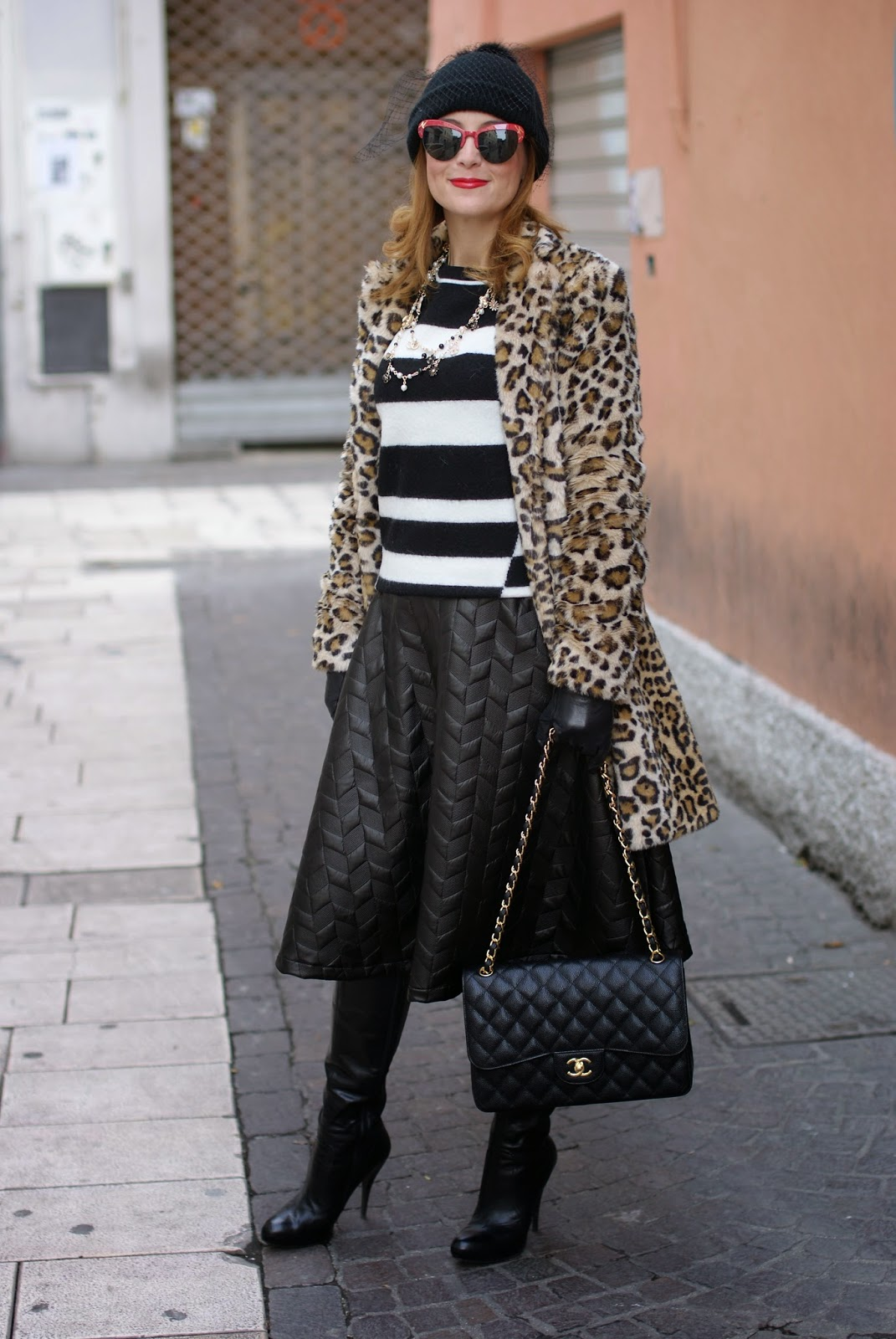 Zara leopard print faux fur coat with veiled beanie hat and Chanel 2.55 classic flap bag on Fashion and Cookies fashion blogger, cappello con veletta Asos