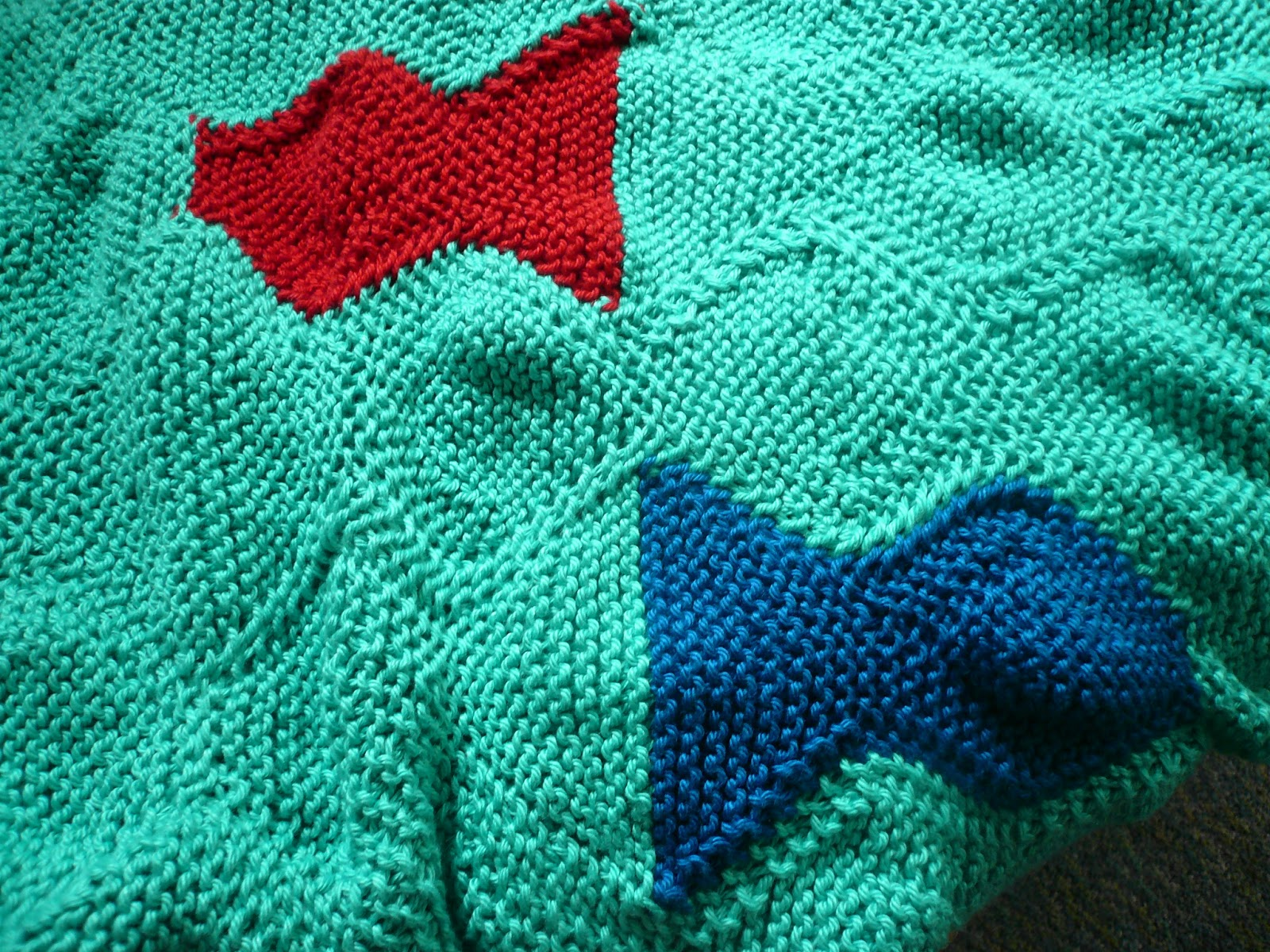 barefoot crafting: One Fish Two Fish ~ a knitted blanket