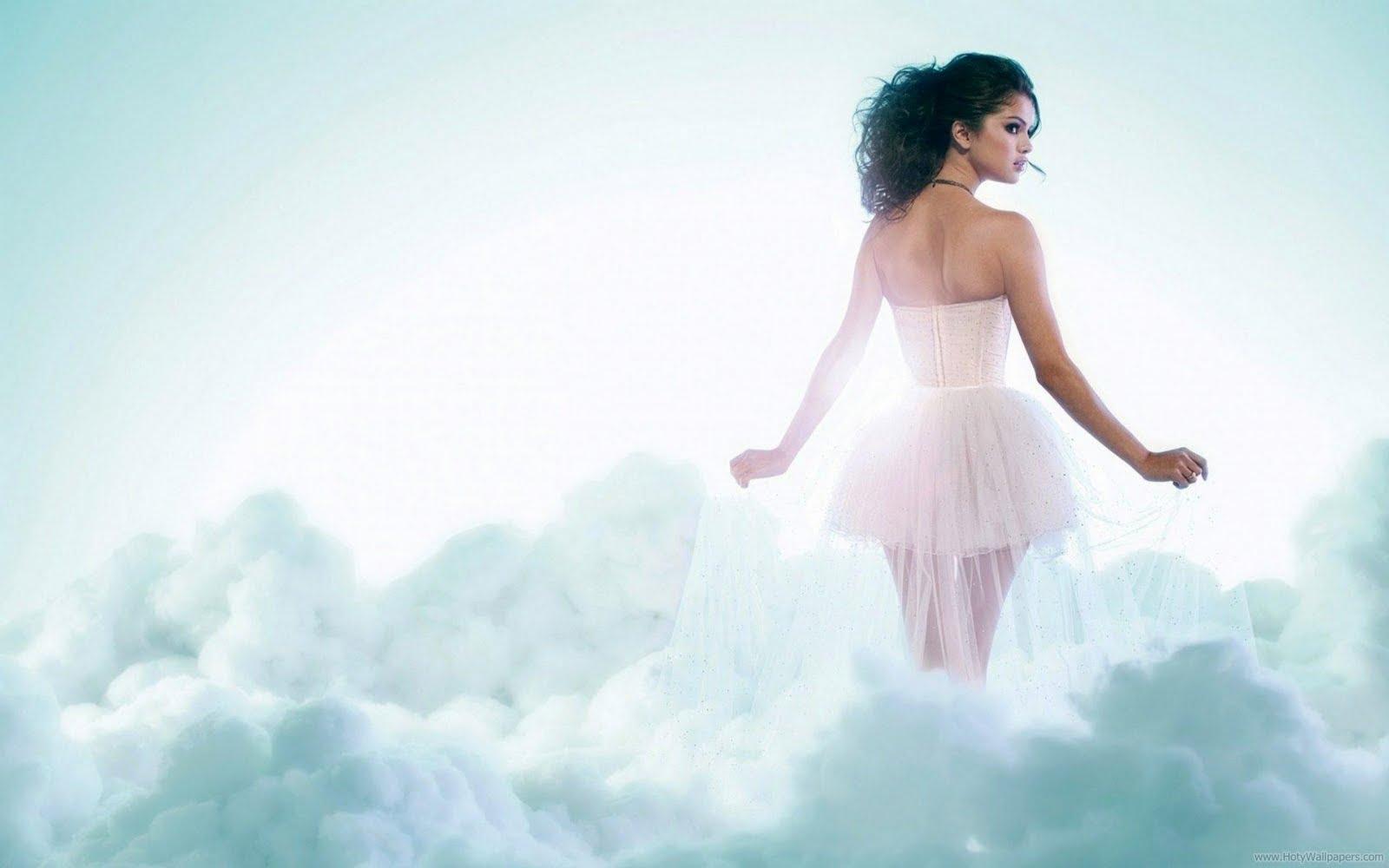 http://2.bp.blogspot.com/-07N7b-VW9n0/TxA5NODjBdI/AAAAAAAABpA/e9mLrSeBylo/s1600/Angel_Selena_Gomez_wallpaper.jpg