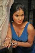 prashanthi photos at lion sm-thumbnail-17