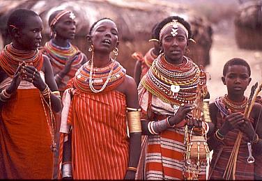 stroje tradycyjne masajowie