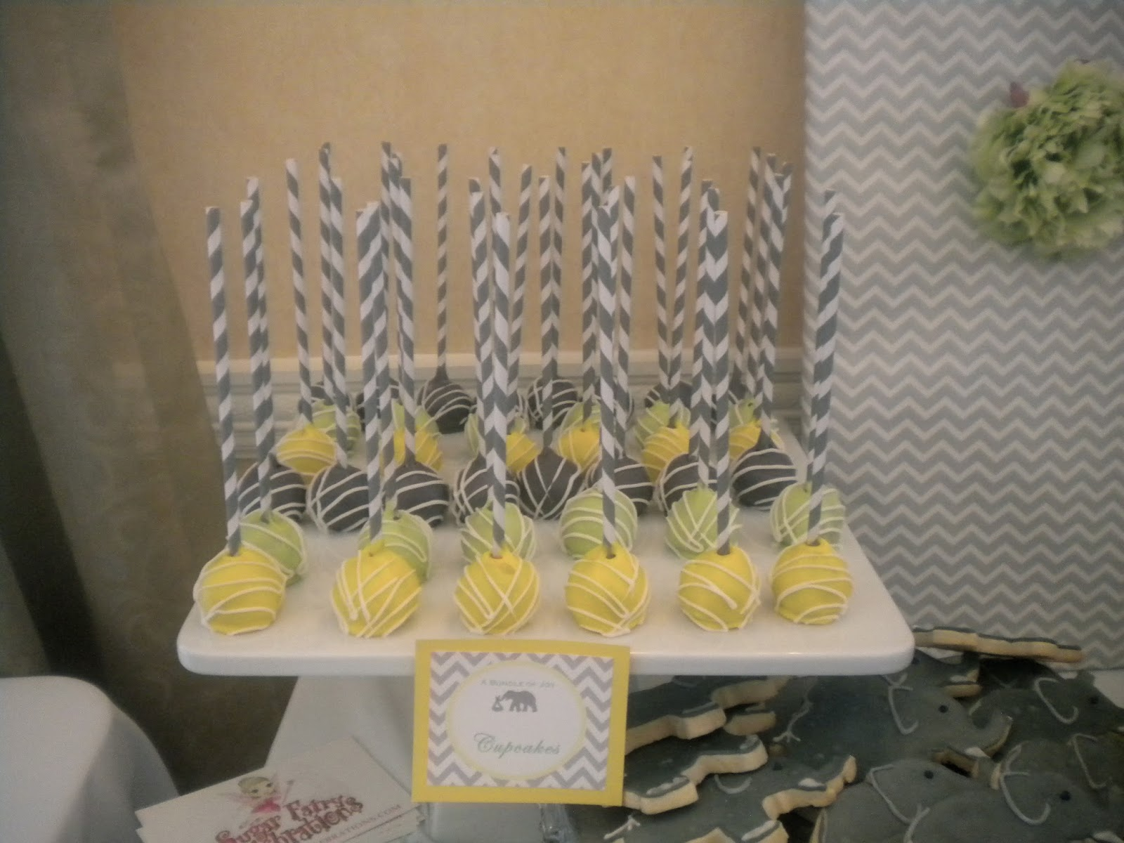 displaying 20 images for yellow and gray baby shower cake