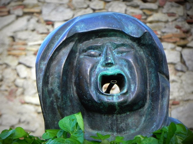 el crit de la bruixa. Encants de Girona