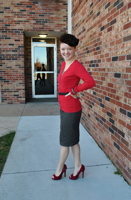 Flashback Summer- Class Christmas Party outfit, 1950s vintage style, red heels, vintage hat
