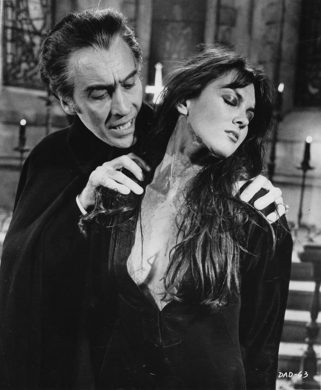 Caroline Munro and Christopher Lee in Dracula AD 1972