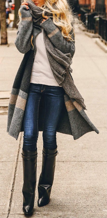 FALL COZY - oversized grey cardigans, white tee-shirt, blue skinny jeans, black shinning leather boots.