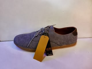 Sepatu Zara Men's New abu-abu grosir