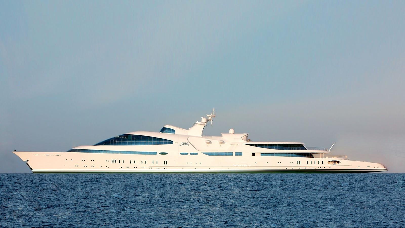 Yacht Yas