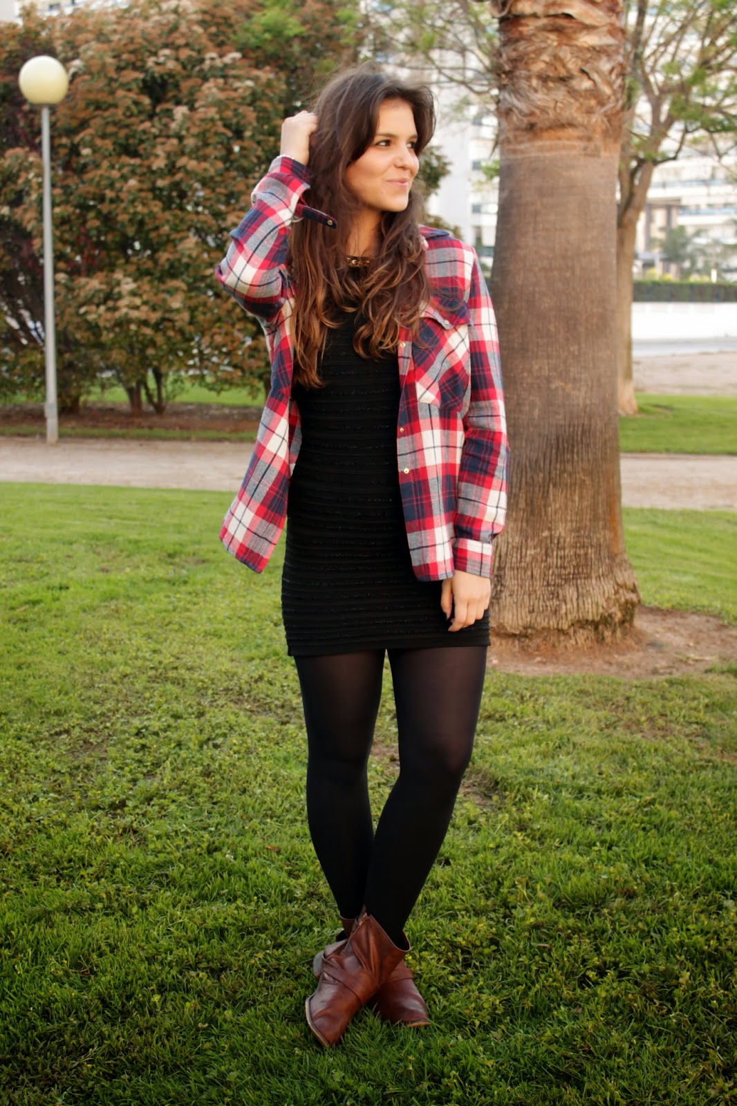 http://emedemeers.blogspot.com.es/2014/05/dress-tartan-shirt.html