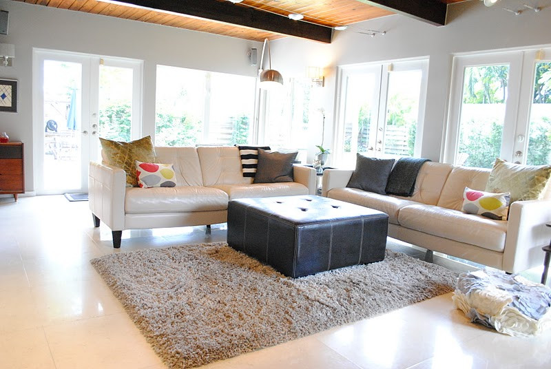 Jandjhome family room updates for Sala de estar beige
