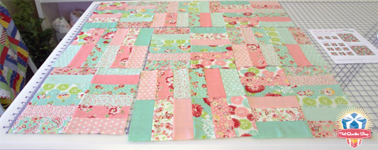 Fat Quarter Shop S Jolly Jabber Jelly Roll Jam Free Quilt