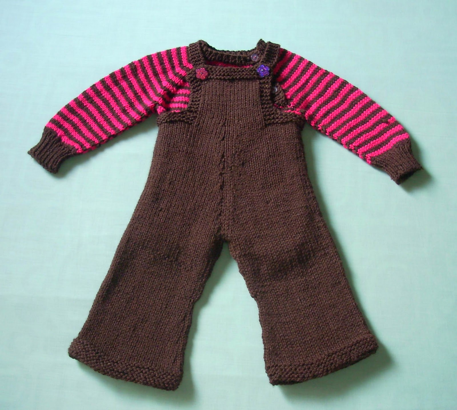 Knitting Pattern For Toddler Overalls : Umme Yusuf: Baby Overalls and Sweater