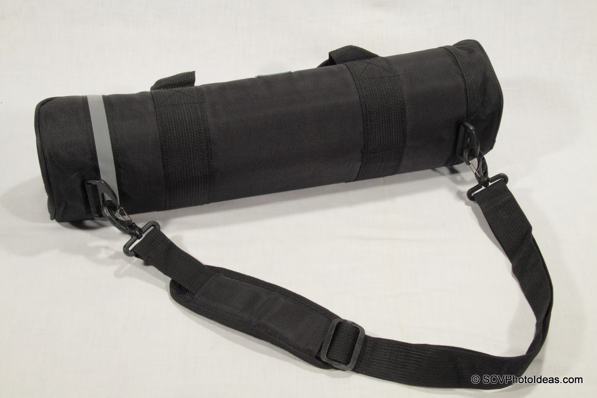 Triopo GT-3228X8C carry-strap on bag buckles