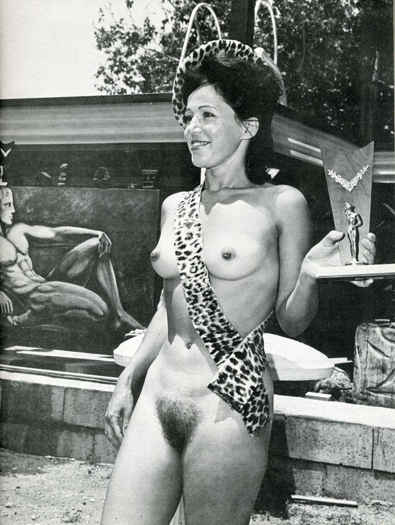 retro-nudisti-onlayn