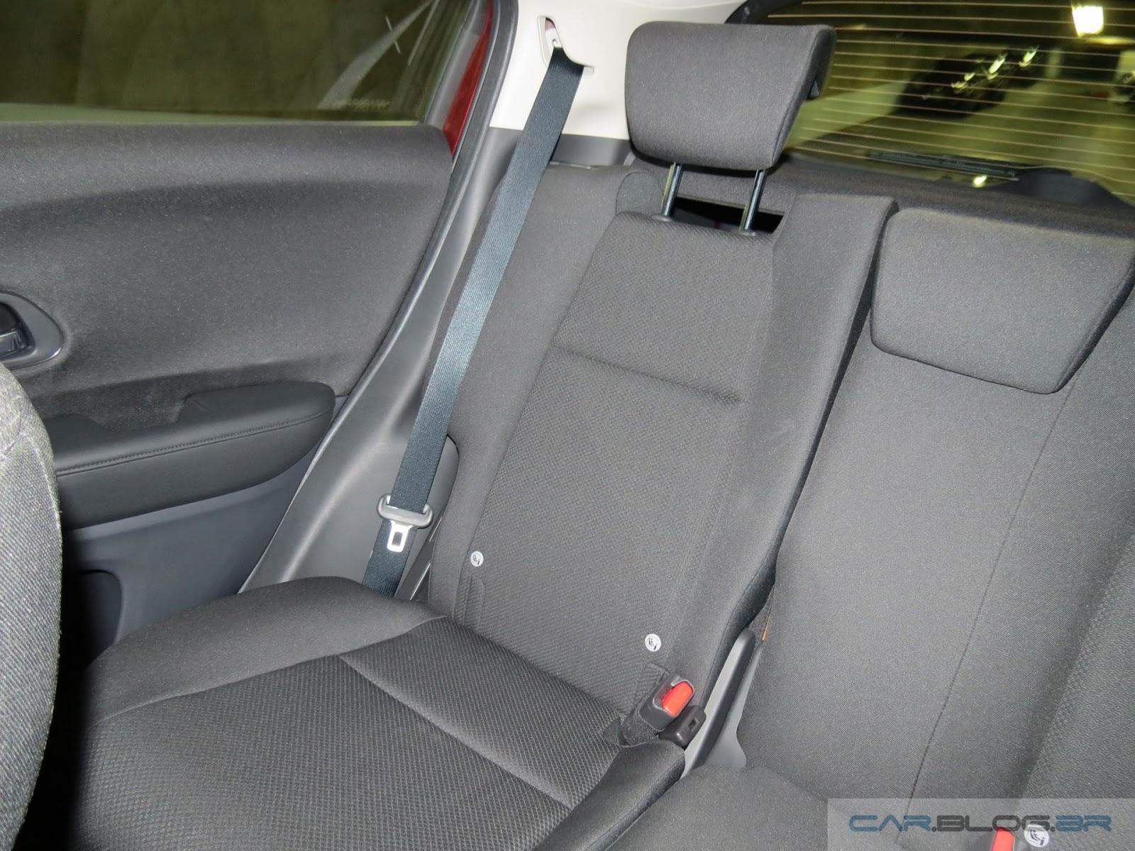 Honda HR-V EX - interior - espaço traseiro