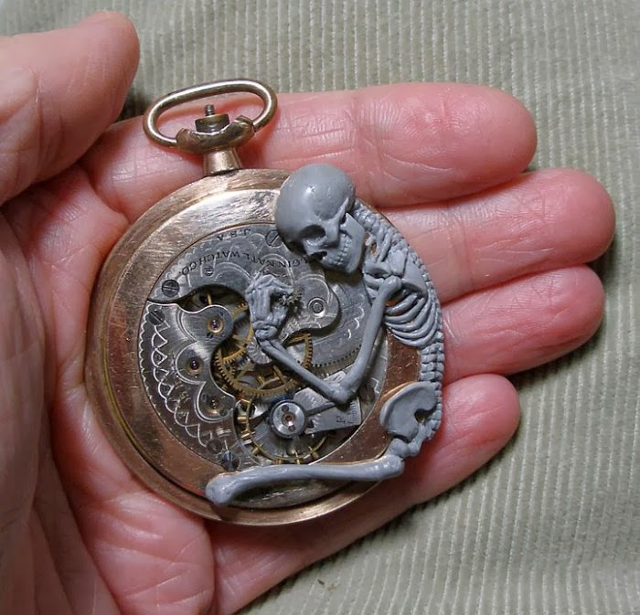 11-Skeleton-2-Recycled-Watch-Sculptures-Steampunk-Susan-Beatrice-All-Natural-Arts-www-designstack-co
