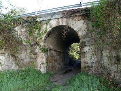 Túnel sota la carretera de Manresa a Vic