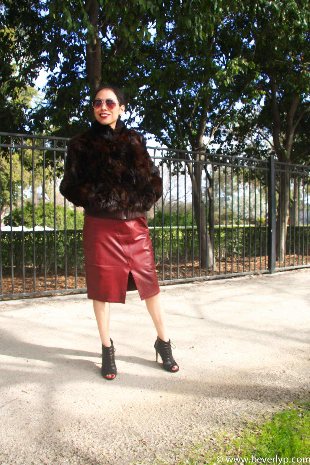falda cuero marsala