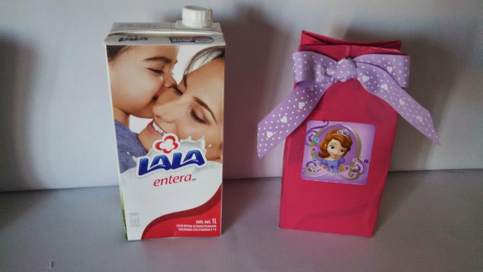 dulceros con cartones de leche