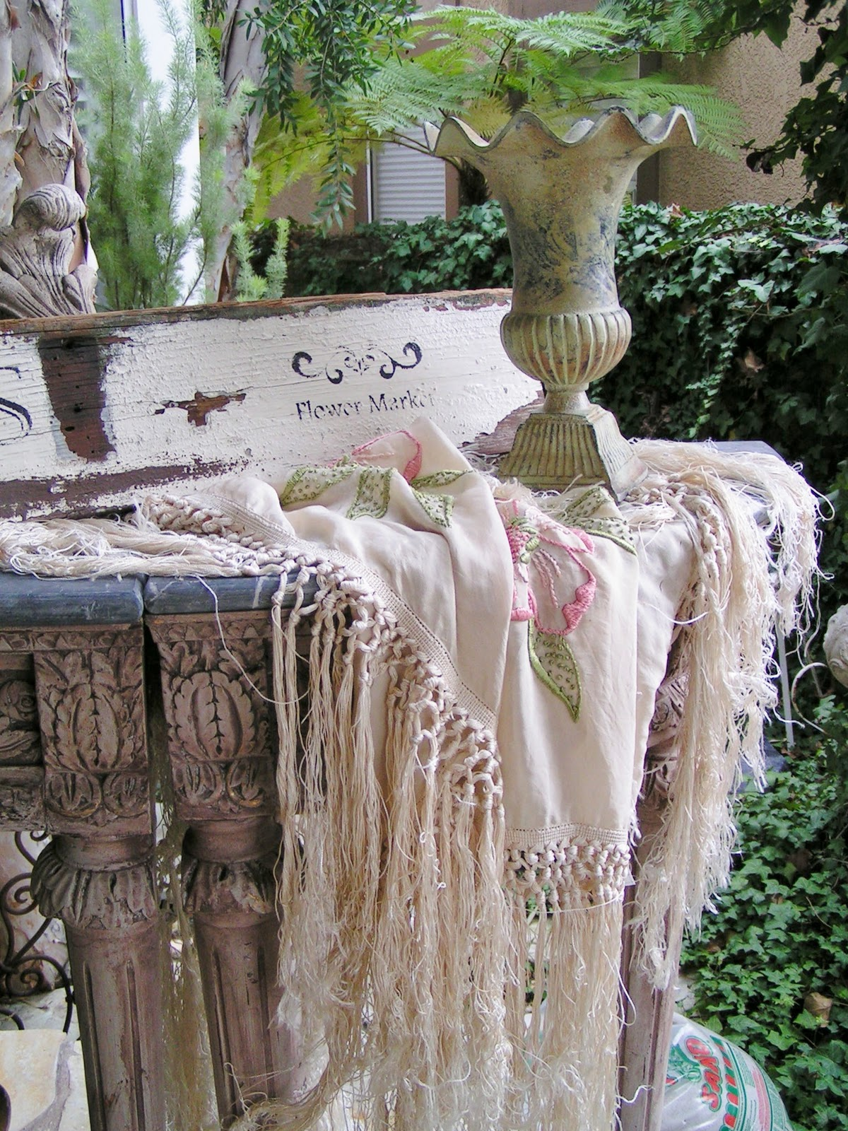 Blossoms vintage chic a weekend of flea markets and my - Vintage and chic love ...