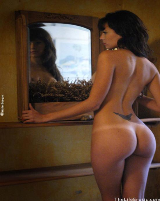 Femjoy Country Girl Naked In Barn