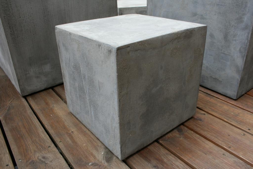 Cuisine Blanche Four Blanc : est réalisable en sur mesure existe en cube version ajourée en gris
