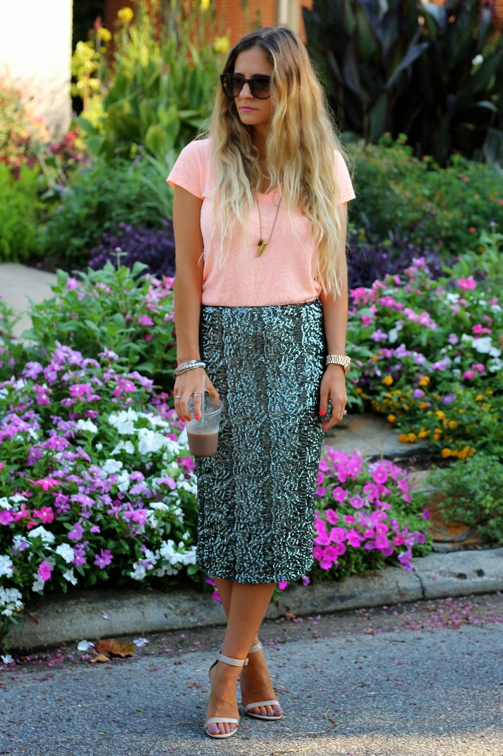 Office Outfit Ideas with Pencil Skirt