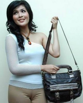 Poto Bugil Wanita Indo on Asian Beauty Gallery Sandra Dewi   We Will Always Love Indonesia