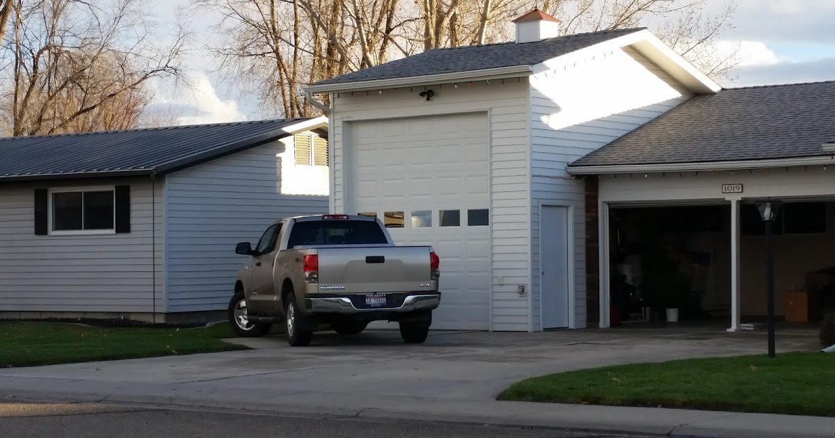 becca 39 s backyard a huge mysterious garage. Black Bedroom Furniture Sets. Home Design Ideas