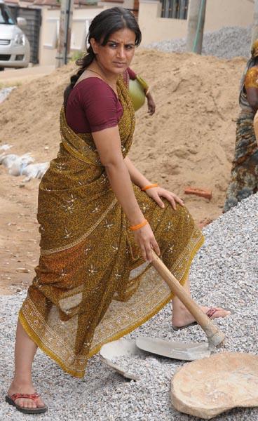 dandu-palyam-movie-heroine-pooja-gandhi-stills6