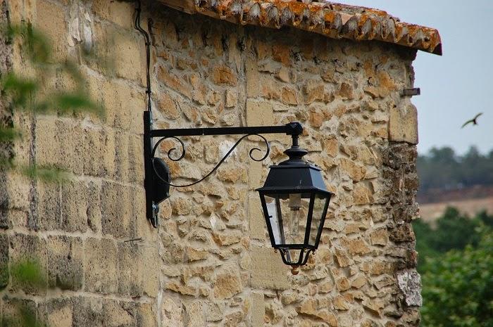 Luci e illuminazione illuminazione e luci da interno o da esterno fattori pratici e di design - Luci da interno a parete ...