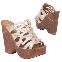 Papuci moderni, de culoare bej, cu toc ortopedic si platforma ( )