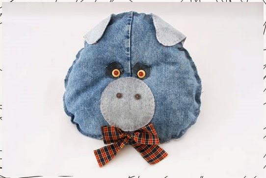 งานประดิษฐ์ DIY ตุ๊กตาหมอนอิงจากผ้ายีนส์ : งานฝีมือ