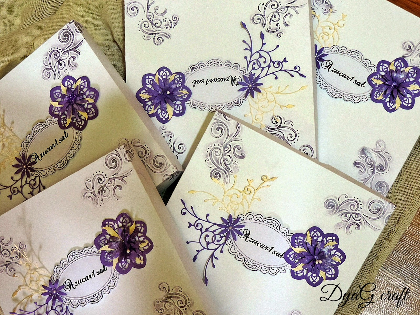 cutii decorative cu accesorii crem si lila