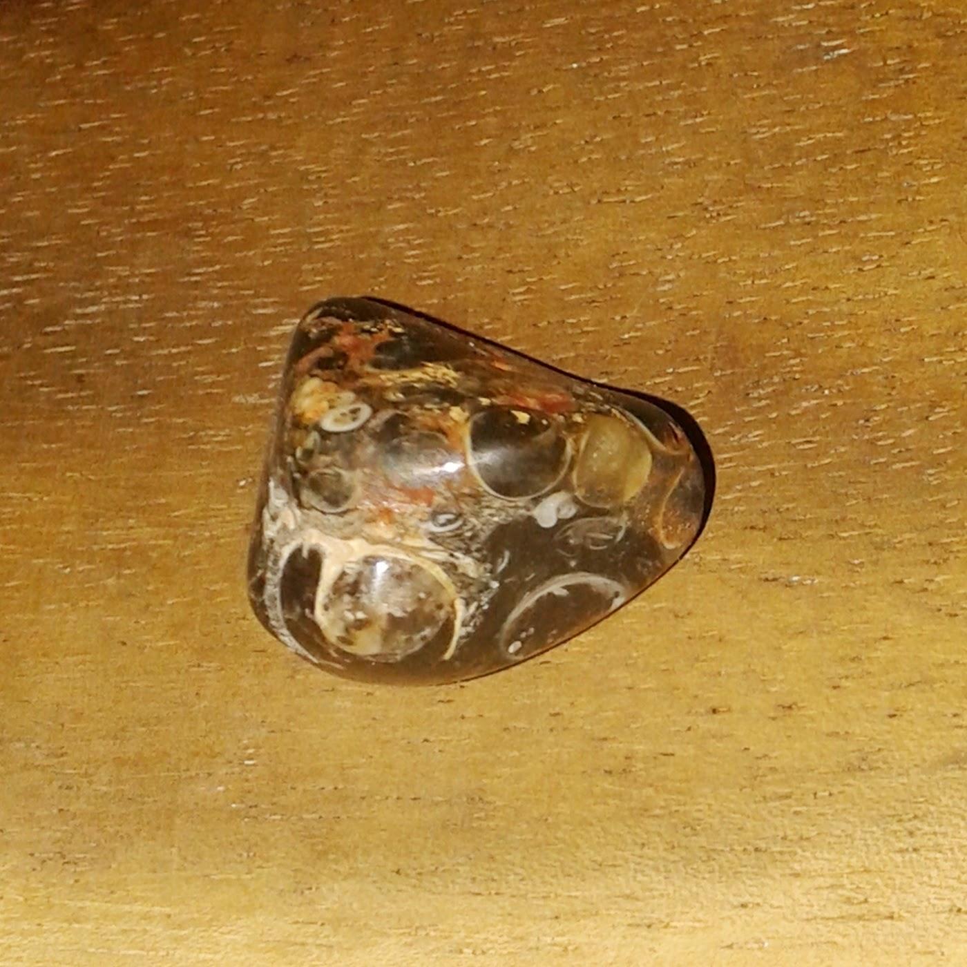 batu mustika sawa / mustika sanca ini memiliki unsur mustika pengasihan, mustika kewibawaan, mustika kerejekian, mustika pagar diri dan ghaib, mustika pemagaran , dan mustika kharomah jati serta kharomah diri