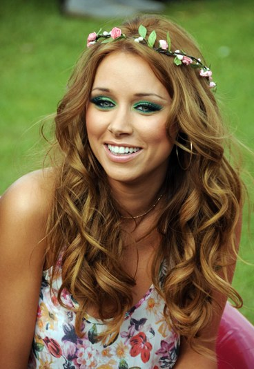 Una Healy Full Name Una Threasa Imogene Healy Born 10 October 1981 Is