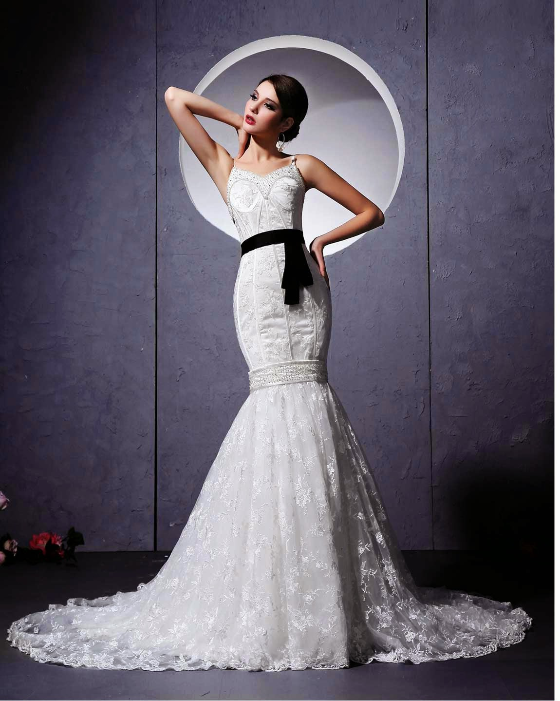 Bling mermaid wedding dresses photos concepts ideas for Mermaid style wedding dresses with bling