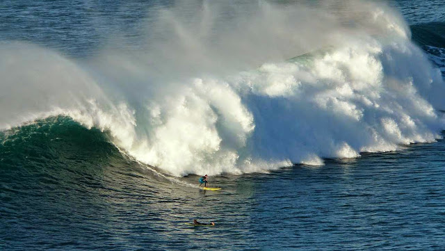 surfing menakoz 30