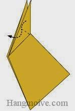 Bước 17: Gấp cạnh giấy xuống dười vào trong giữa hai lớp giấy.