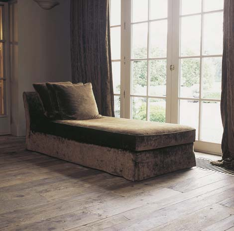 Chaise Lounge, Reclaimed Floors, image via Antiek Amber, as seen on linenandlavender.net