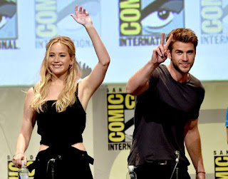 Jennifer Lawrence et Liam Hemsworth au comic con 2015