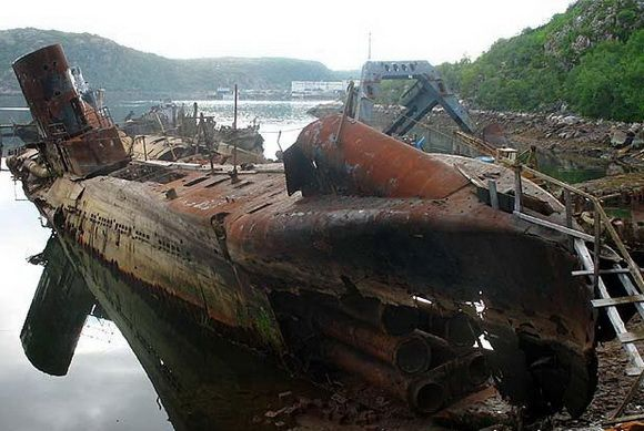 9 Kuburan Terunik di Dunia - Kuburan kapal Selam, Rusia