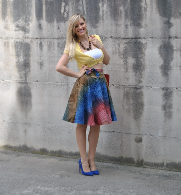 gonna a ruota e crop top come abbinare la gonna a ruota abbinamenti gonna a ruota mariafelicia magno fashion blogger outfit maggio 2015 outfit primaverili spring outfit round circle skirt how to wear crop top spring outfit girls blonde hair blonde girl